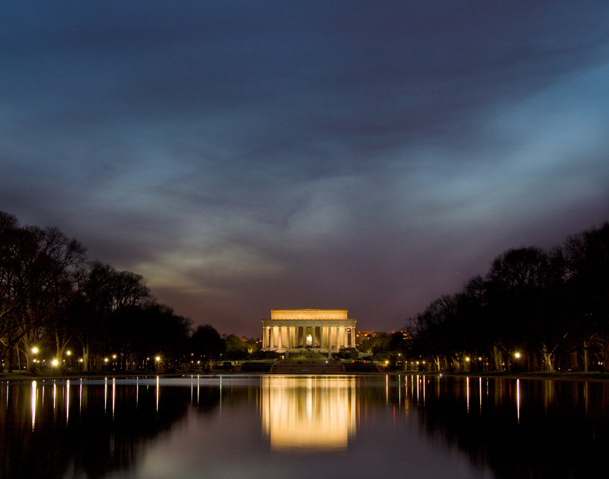 DC_Lincoln_night_reflectionpl01_11x14