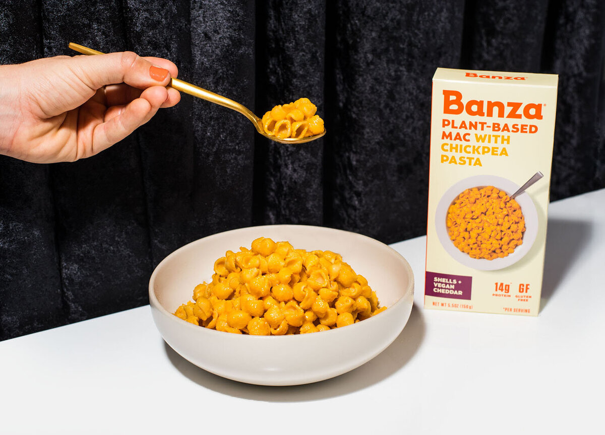banza pasta plant based mac product photography