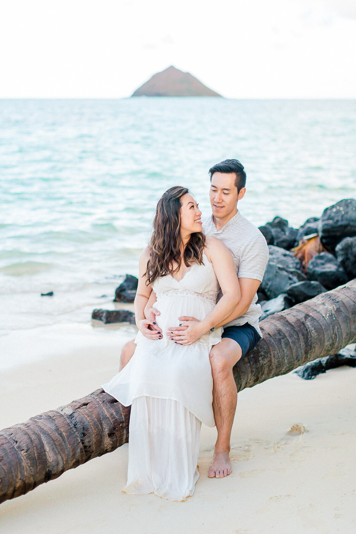 Blog-lanikai beach maternity session by hawaii maternity photographer veronica ilioi photography-0030