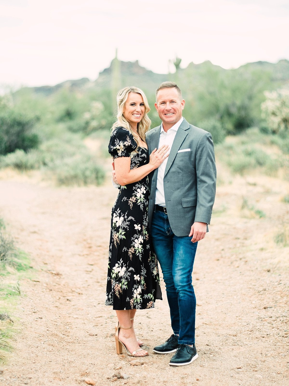 scottsdale-arizona-wedding-photographer-engagement-desert_0081