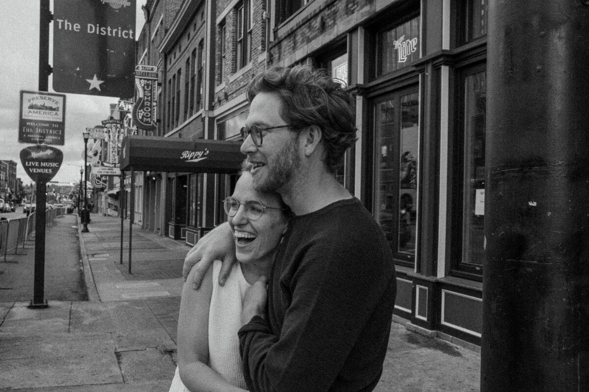 nashville-engagement-proposal-photographer-broadway