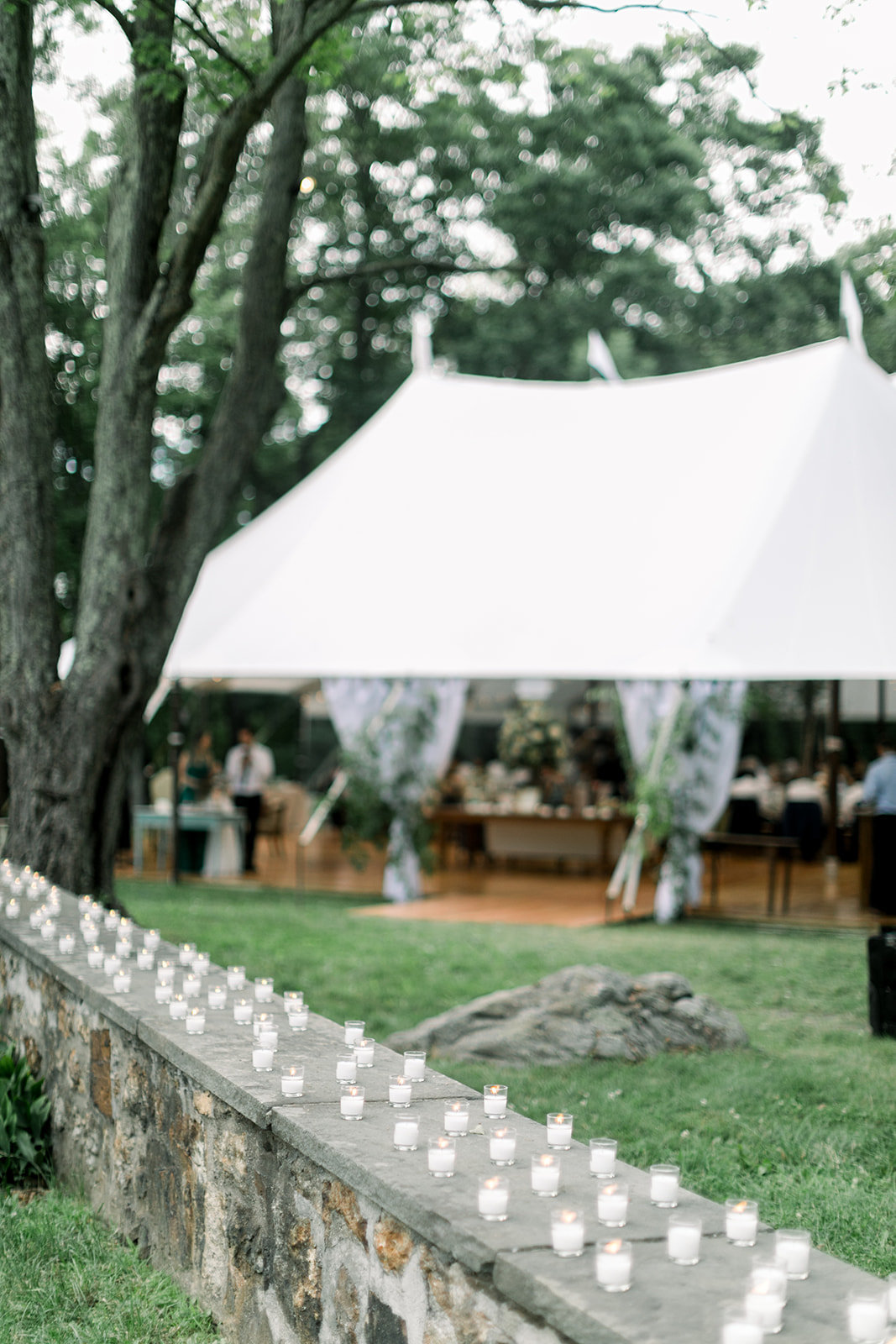 Alica-Daw-Photography-Monica-Relyea-Events-Glynwood-Farm-Cold-Spring-New-York-Hudson-Valley-Wedding-Planner-Tent-Sam_+_Nick_reception-177