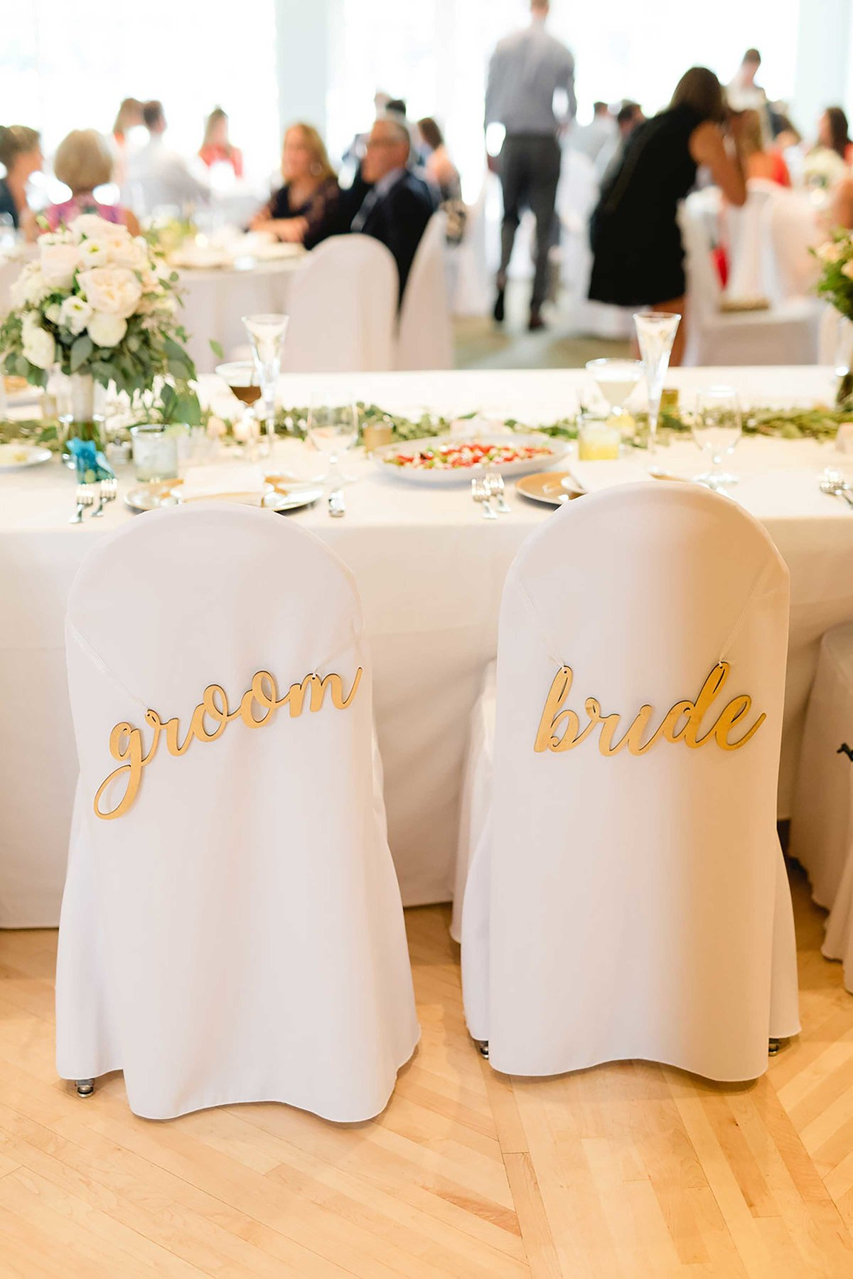 bride-groom-chairs