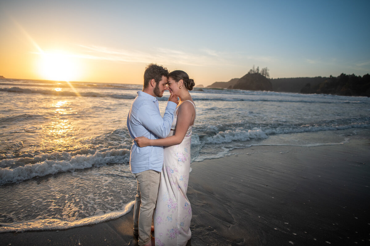 Humboldt-County-Engagement-Photographer-Beach-Engagement-Humboldt-Trinidad-College-Cove-Trinidad-State-Beach-Nor-Cal-Parky's-Pics-Coastal-Redwoods-Elopements-6