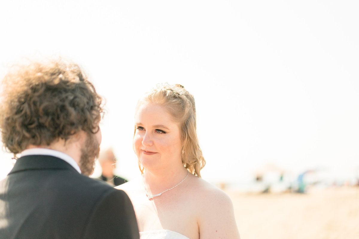 JamieBrownPhotographyBeachElopement-27_mini