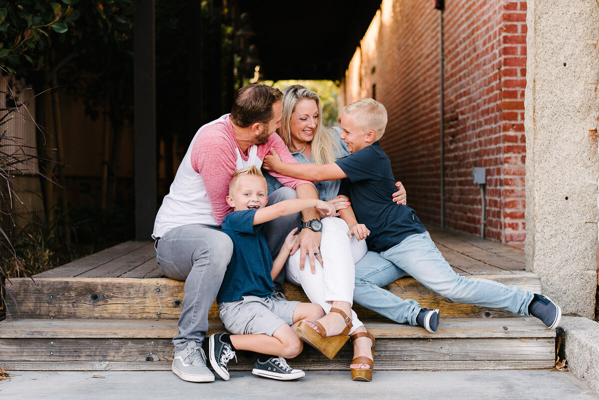 San Diego Family Photographer-urban snuggles17
