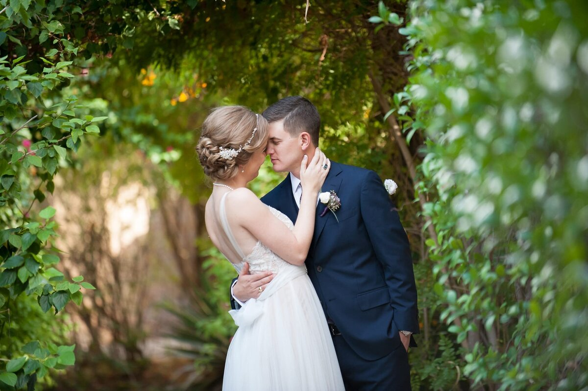 Royal-Palms-Wedding-by-Leslie-Ann-Photography-00023