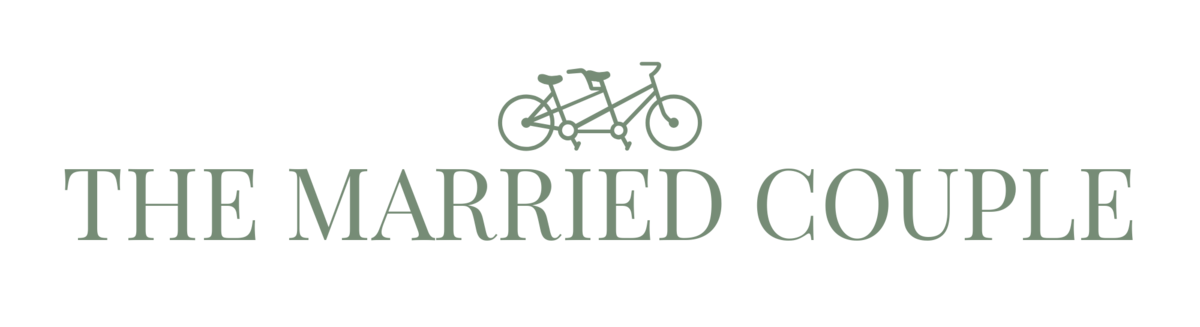 THE MARRIED COUPLE-logo (5)