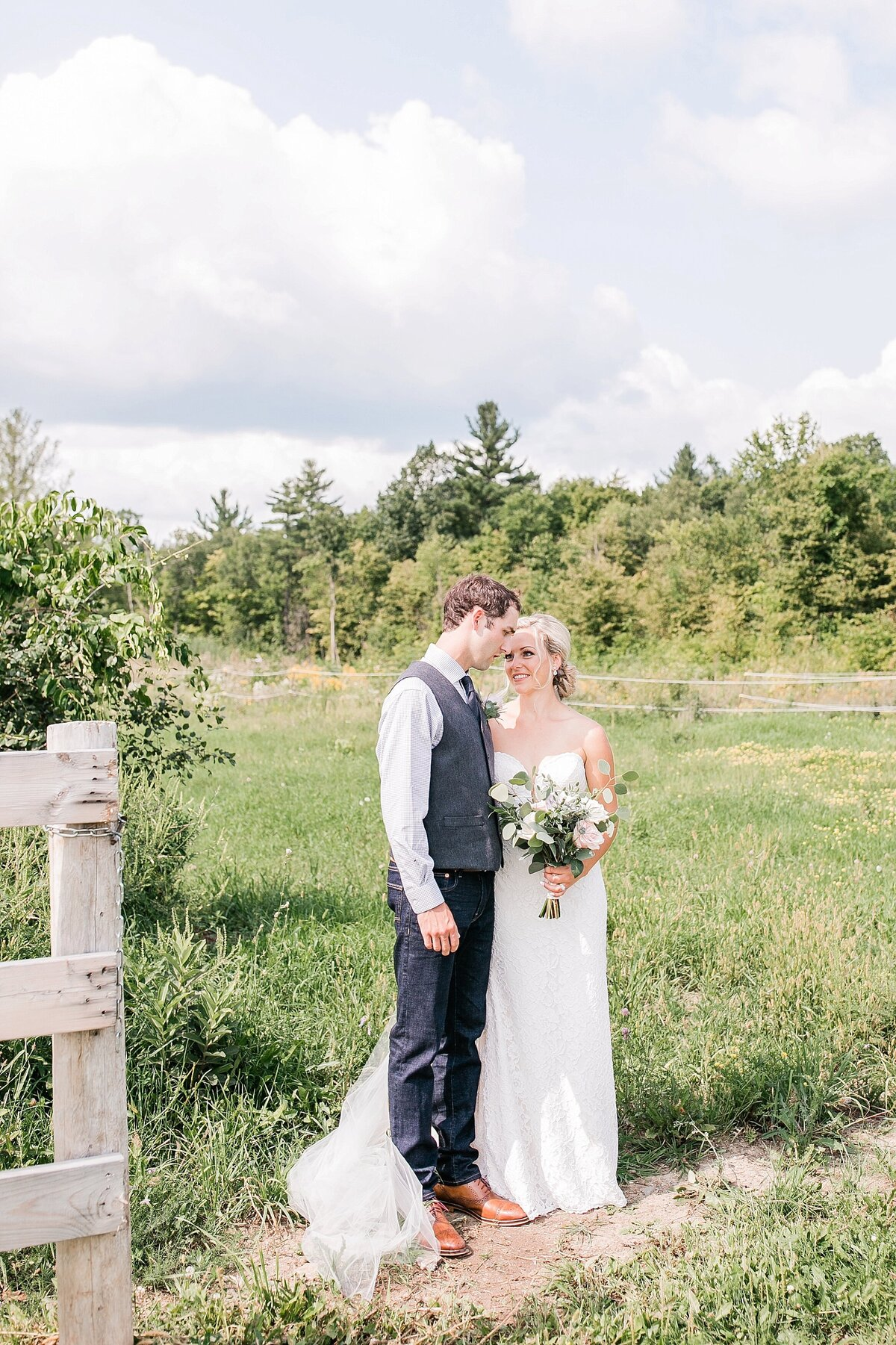 Ottawa-Country-Wedding-LauraClarkePhotos_0013