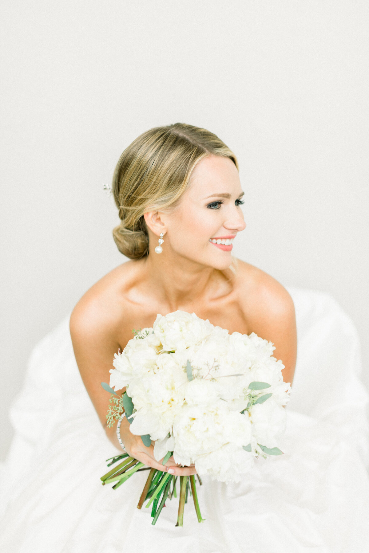 Minnesota Bride, Minnesota wedding photographer, Minneapolis wedding photographer, Wedding Dress, trish Allison photography, trish allison photography weddings, Light and airy photographer, Minnesota photogrpaher light and airy, Lafayette Wedding