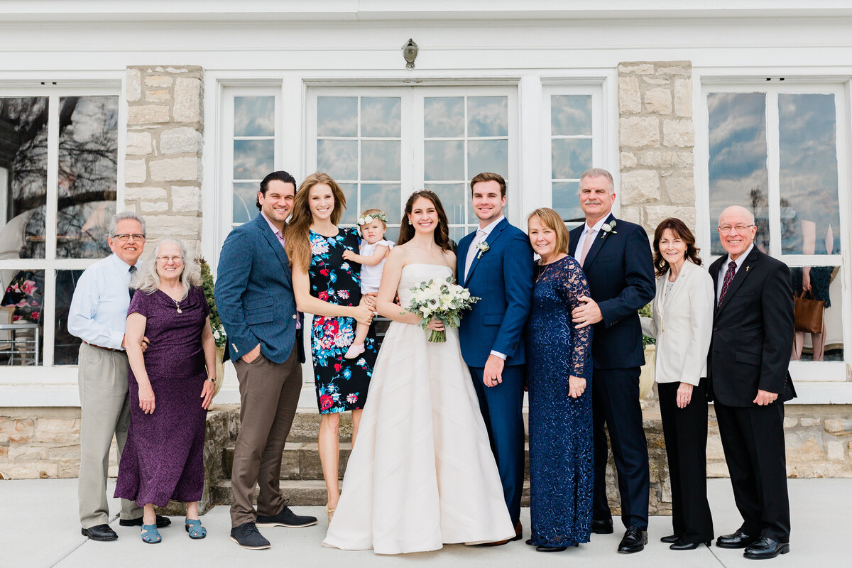 Dorothy_Louise_Photography_Amanda_Ryan_Stone_House_St_Charles_Wedding_Family_Formals-27
