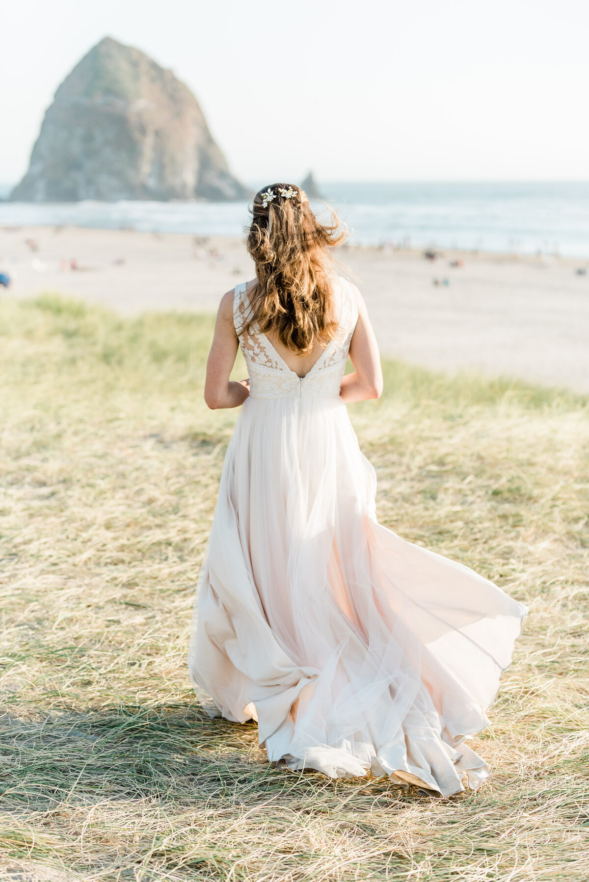 Cannon-Beach-Elopement-Photographer-12