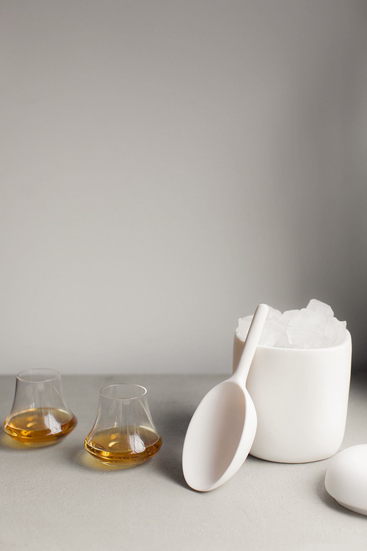 Tina Frey White Resin Ice Bucket - Gingerfinch Home - Anisa Sabet - Photographer-3