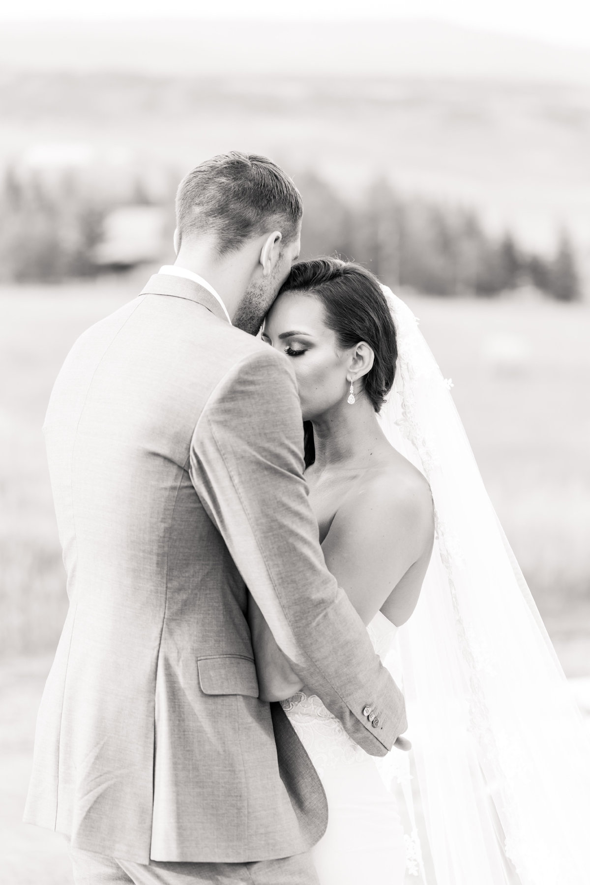 Kari_Ryan_Anderson_Colorado_Outdoor_Chapel_Wedding_Valorie_Darling_Photography - 89 of 126