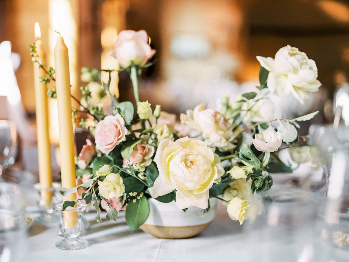 pastel-wedding-centerpiece-with-taper-candles