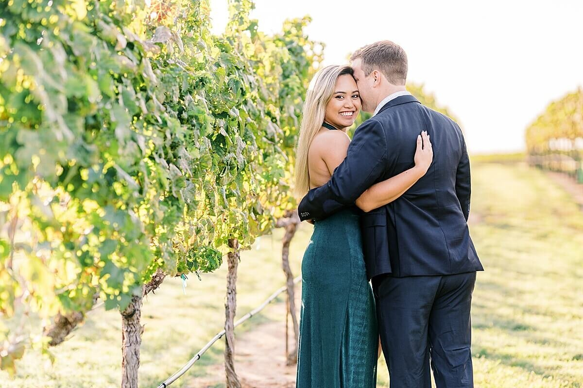 Texas-Hill-Country-Vineyard-Engagement-Portrait-Session-Alicia-Yarrish-Photography_0007