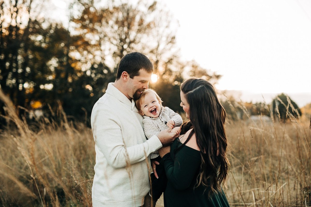 fall-family-session-golden-hour-milford-delaware-rebecca-renner-photography_0001