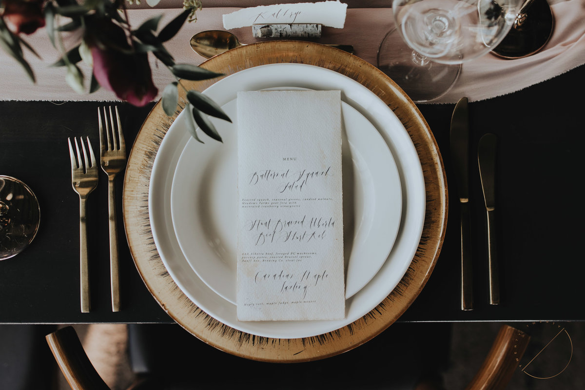 Wedding design by Moments by Madeleine for Banff Gondola and Sky Bistro Wedding, photo captured by Banff Wedding Photographer Lindsay Copeland of Twenty Twenty Photography