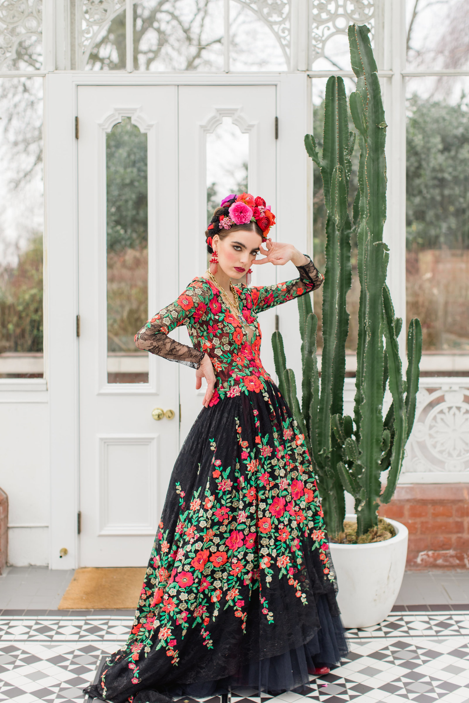 Frida-Kahlo-embroidered-floral-dress-JoanneFlemingDesign-RobertaFacchiniPhoto (49)