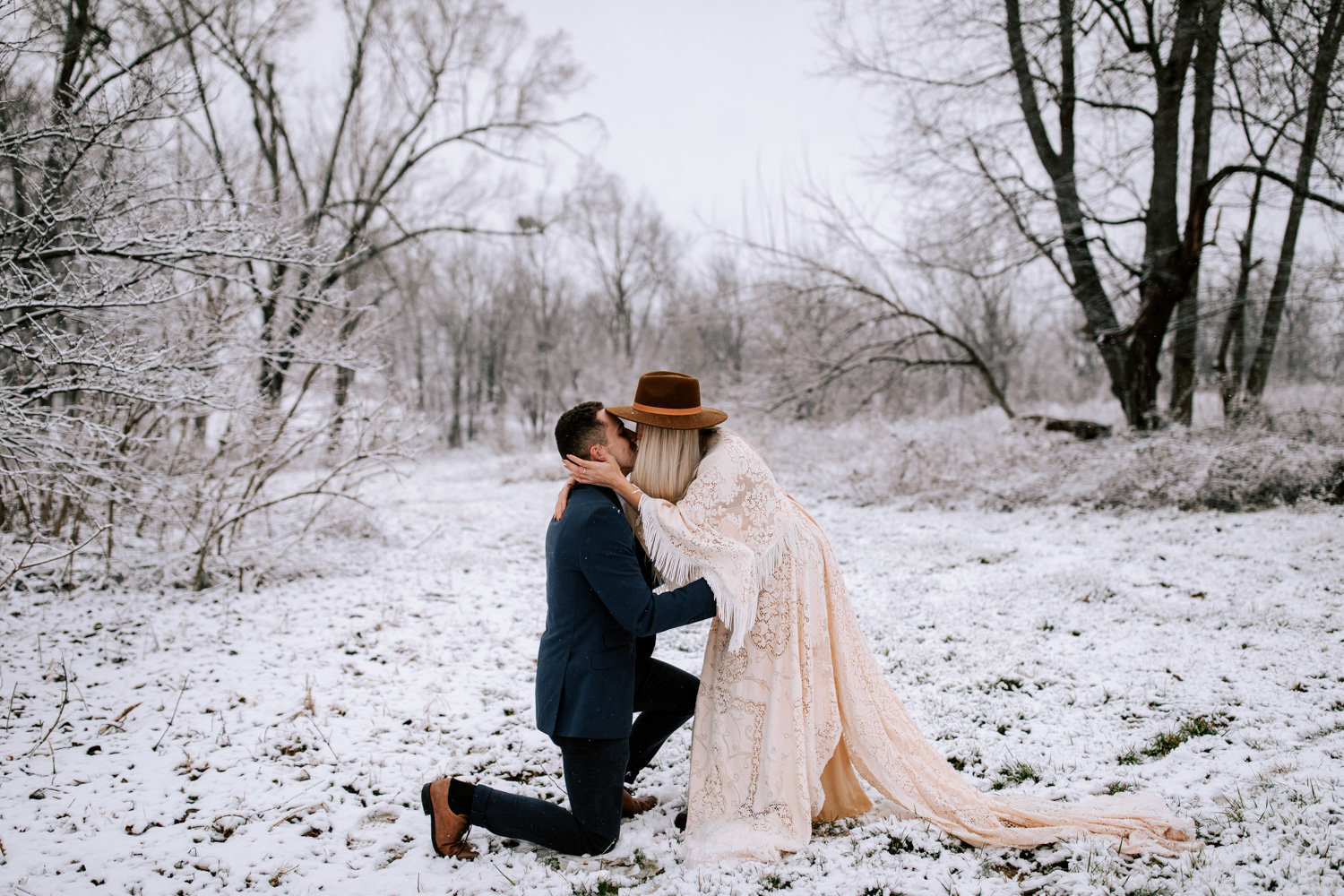 Snowy-surprise-engagement-louisville-kentucky-31