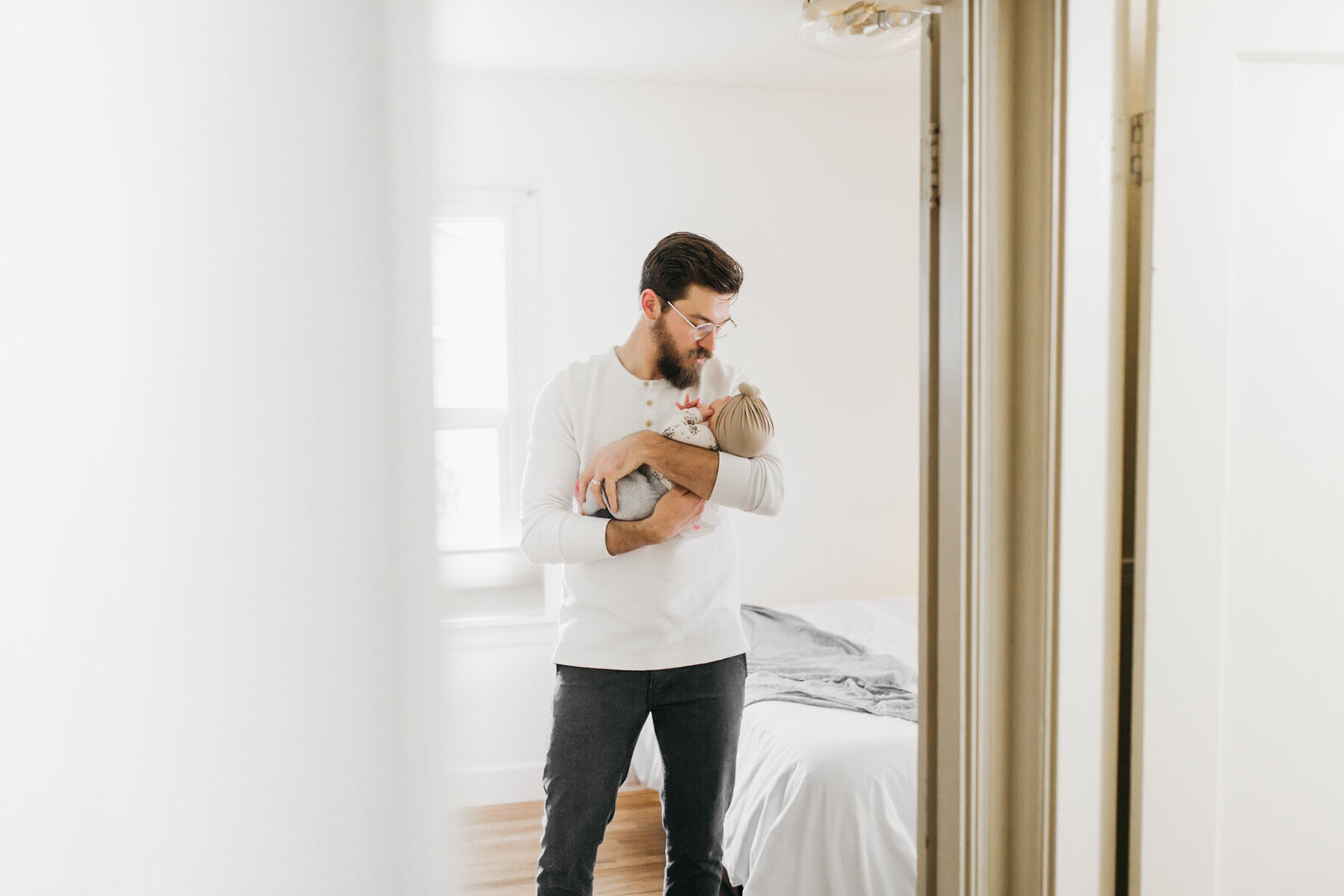 athena-and-camron-homebody-lightroom-presets-SKYLIGHT-bright-airy-16