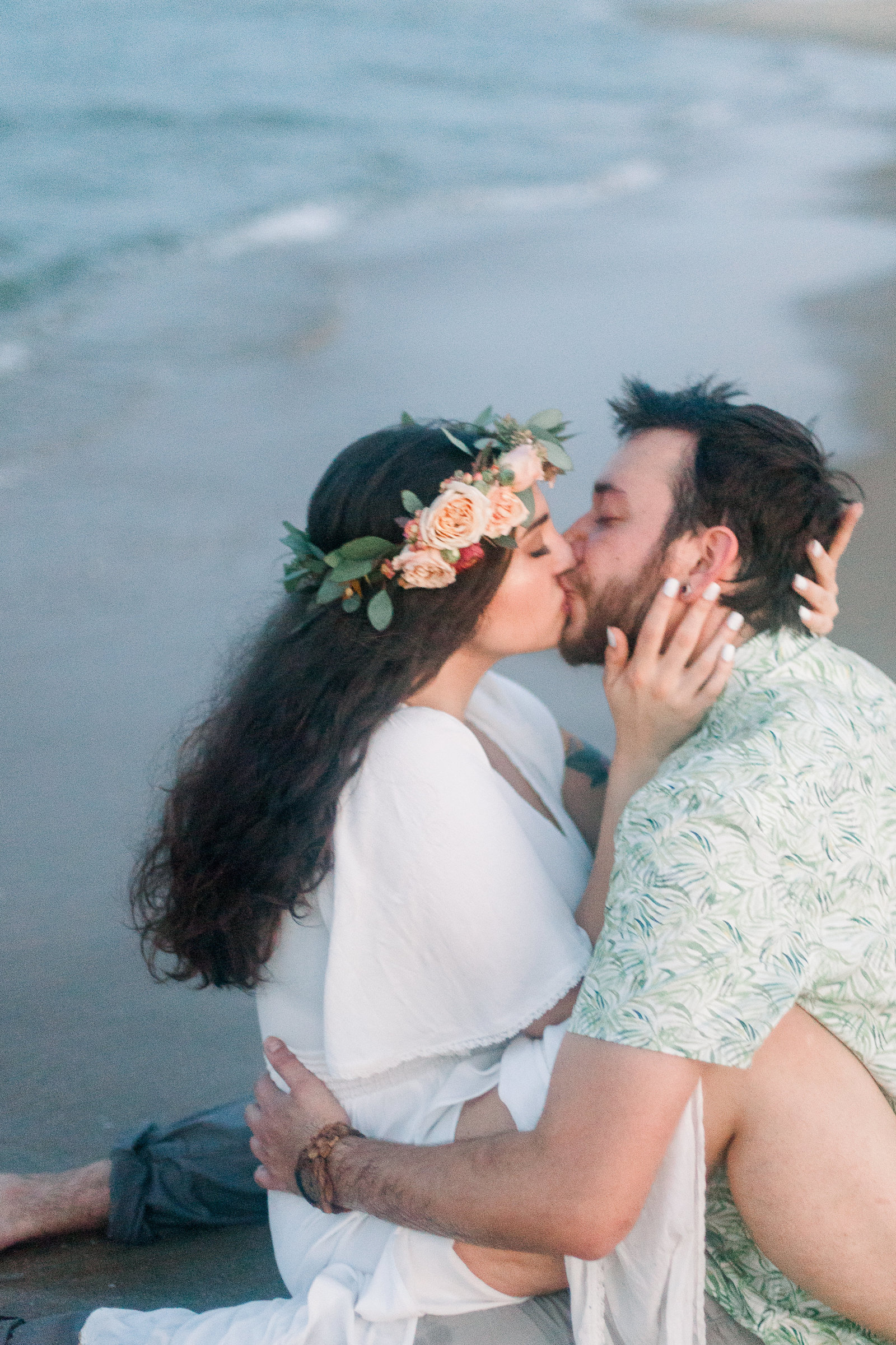 boho-intimate-beach-engagement-145