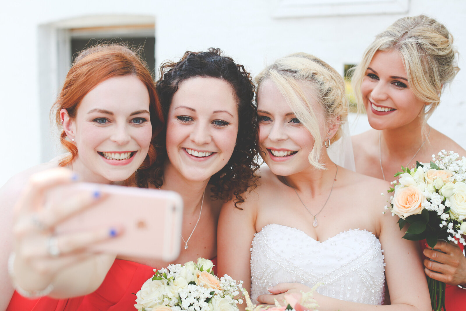 WP-SELFIE-AT-A-WEDDING-PEMBROKE-LODGE_0008