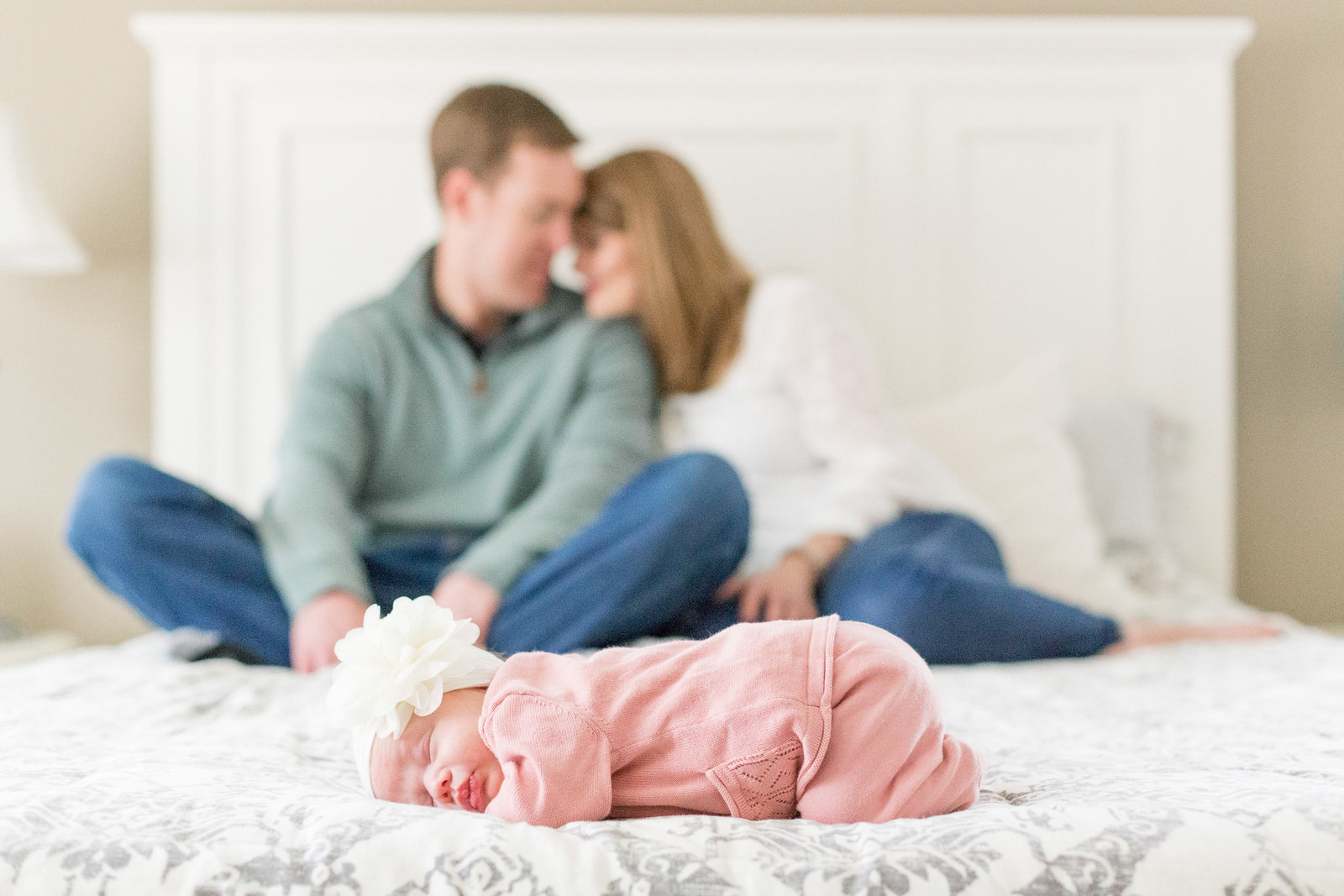 martin-family-lifestyle-in-home-newborn-baby-photo-session-003