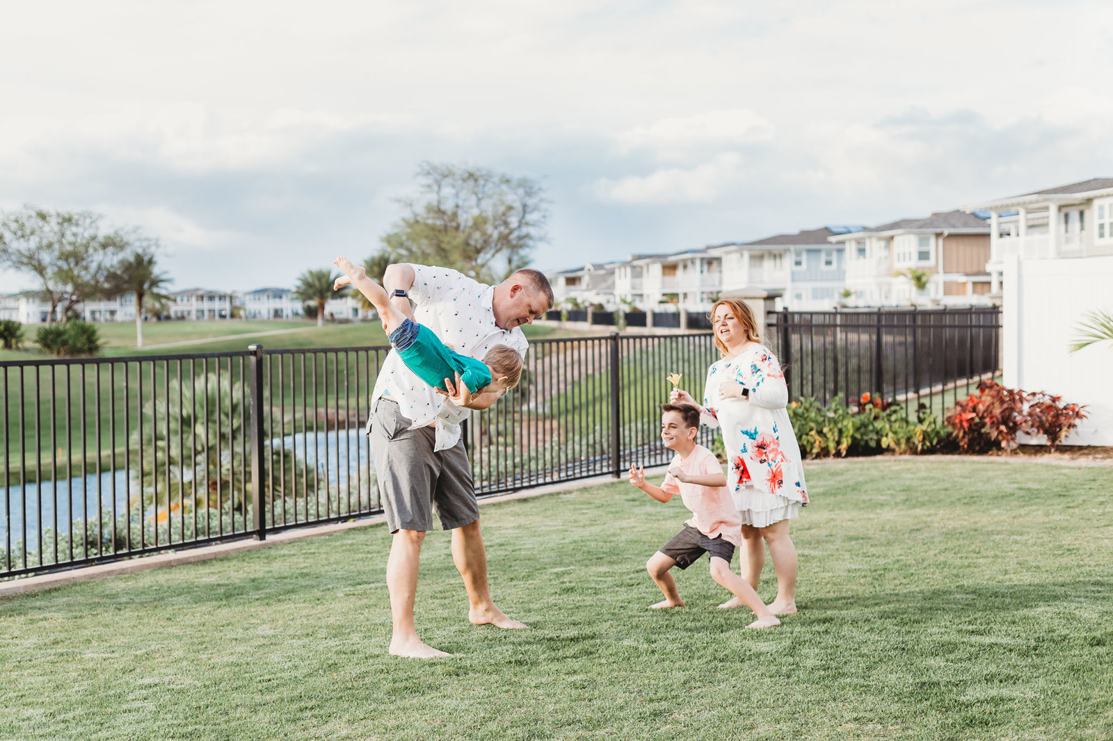 Oahu, Hawaii Lifestyle Photographer - Lifestyle Photography - Brooke Flanagan Photography - Family Playing together