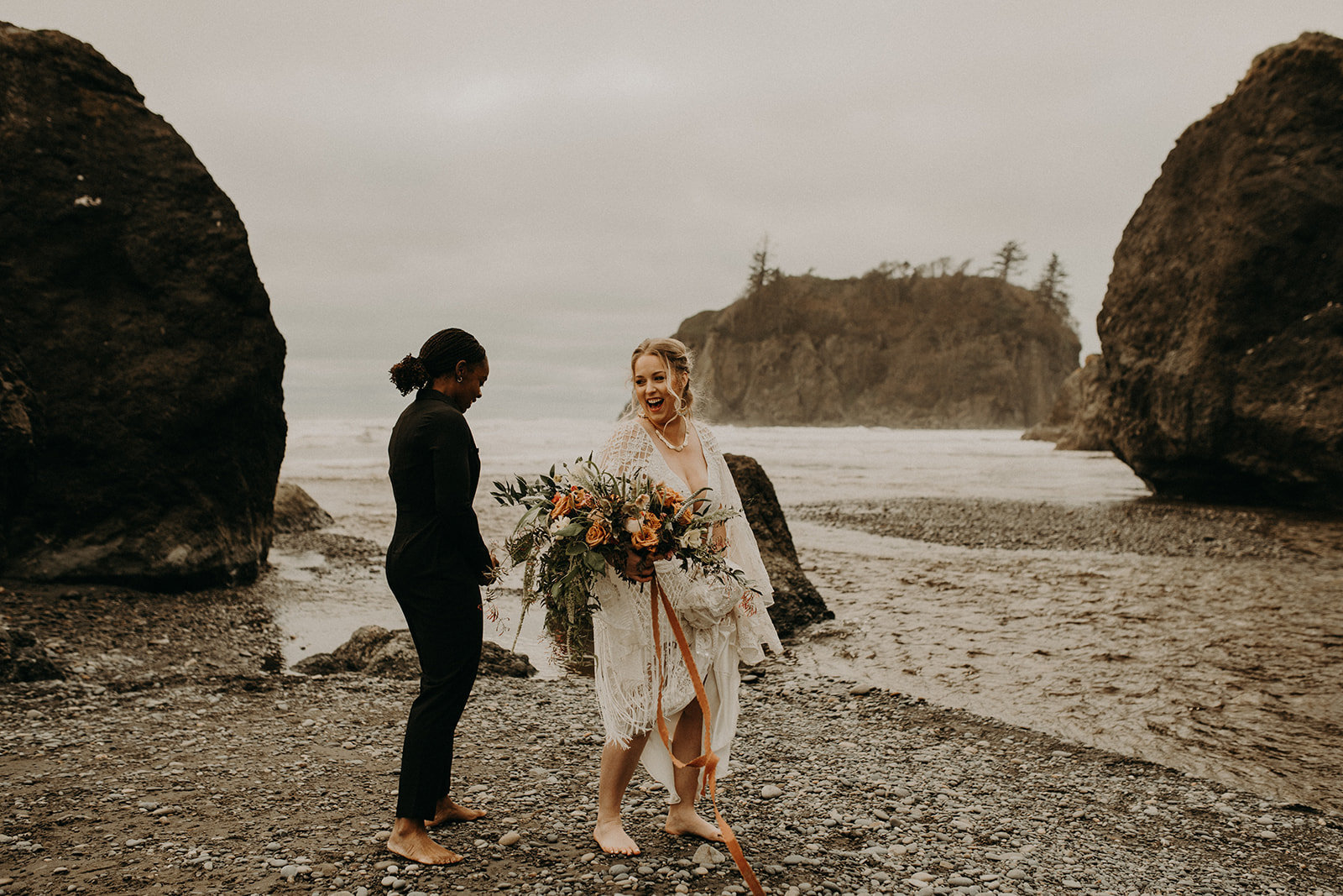 Ruby_Beach_Styled_Elopement_-_Run_Away_with_Me_Elopement_Collective_-_Kamra_Fuller_Photography_-_Champagne-2