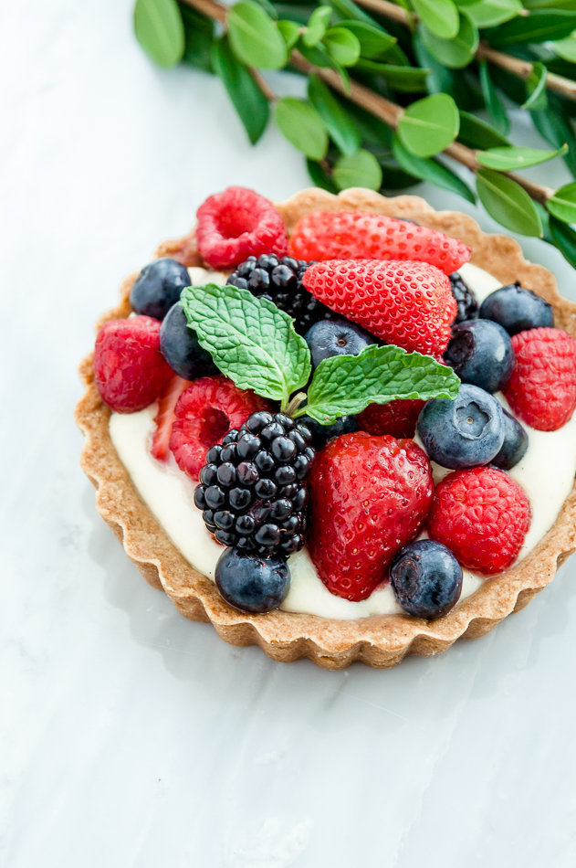 Food-Photography-berry-tart-3