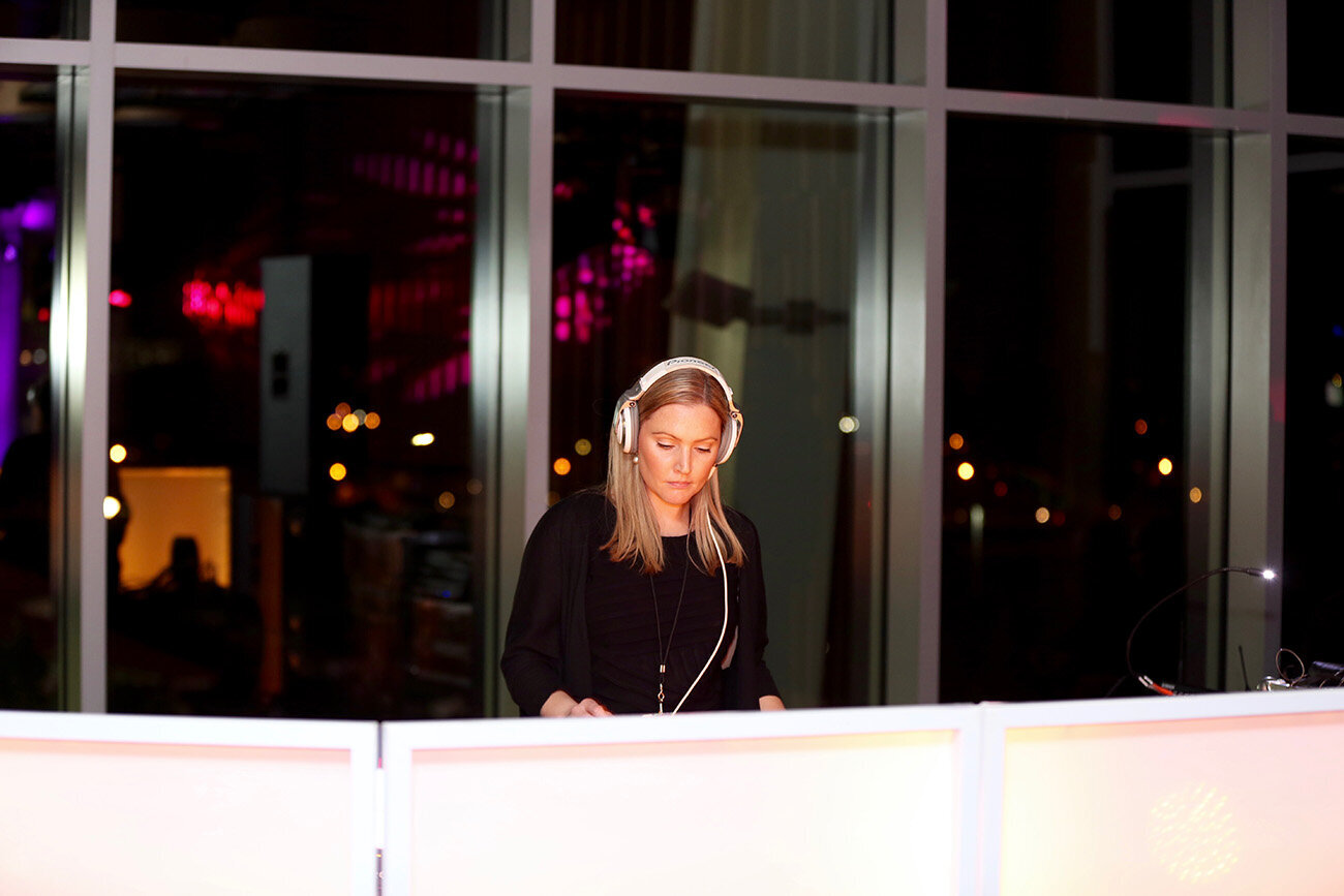 LOS GATOS DJ - DJ Cassie Verizon YEP Corporate Holiday Party @ Levi's Stadium - Jeremy Waldorph Photography