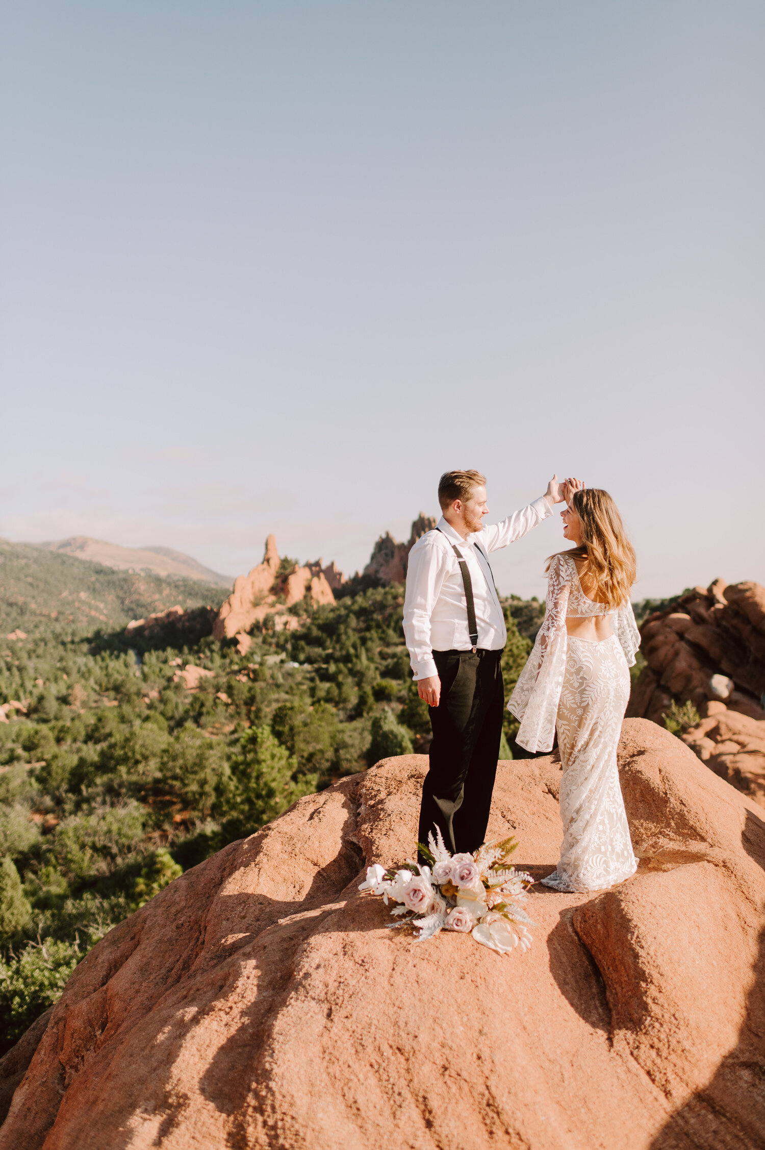 garden-of-the-gods-wedding-30