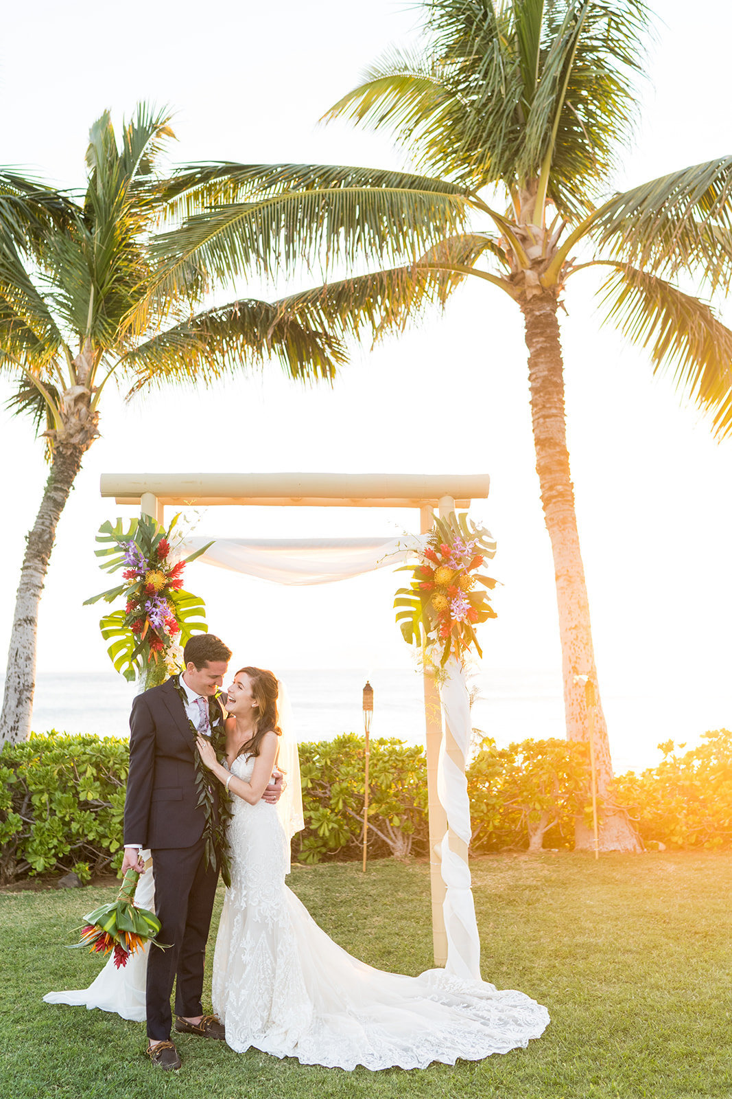 Oahu Hawaii Wedding Photos-215