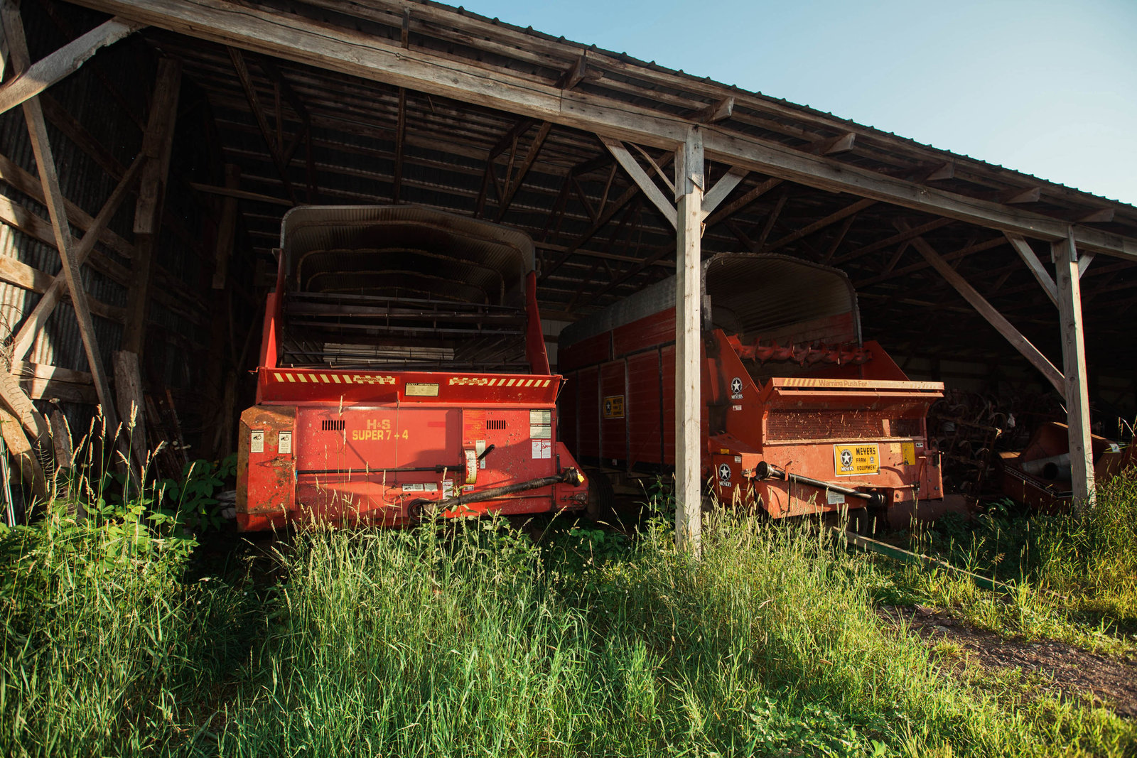 equipment-wisconsin-farm-country-nature-kate-timbers-photography-2215