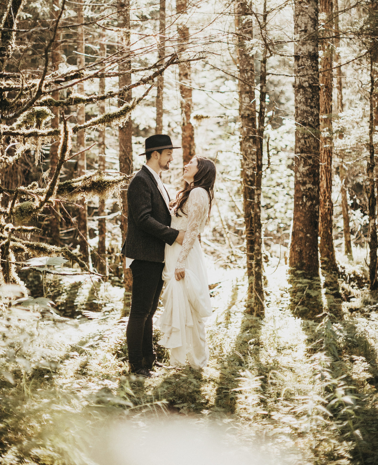 athena-and-camron-alaska-elopement-wedding-inspiration-india-earl-athena-grace-glacier-lagoon-wedding24