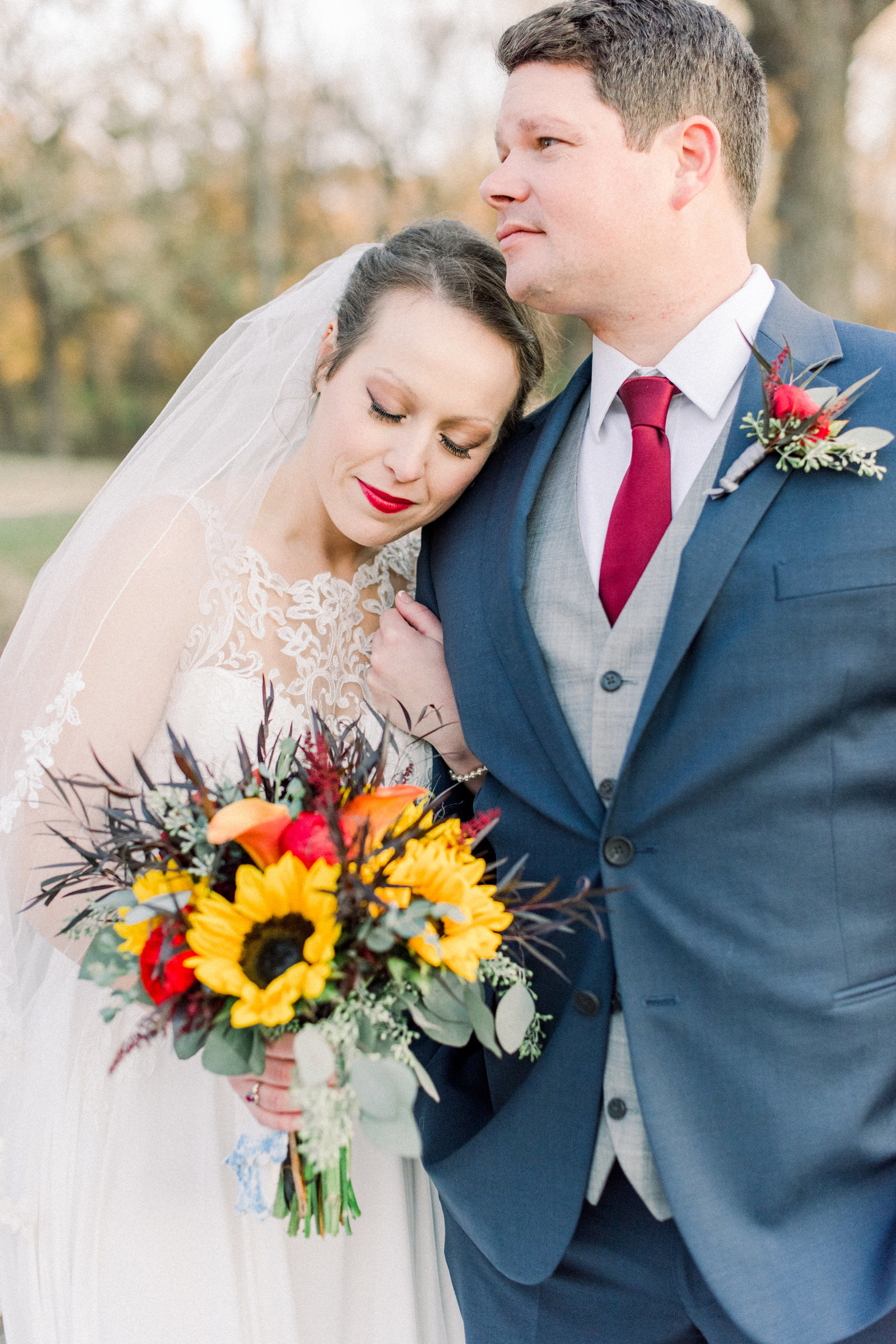 Fall_Deer_Creek_Club_Kansas_City_Wedding_Ashley+Travis-209