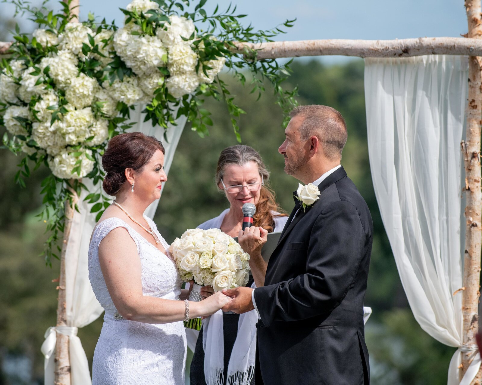 wedding-reception-lake-geneva-wedding-ceremony-outdoors