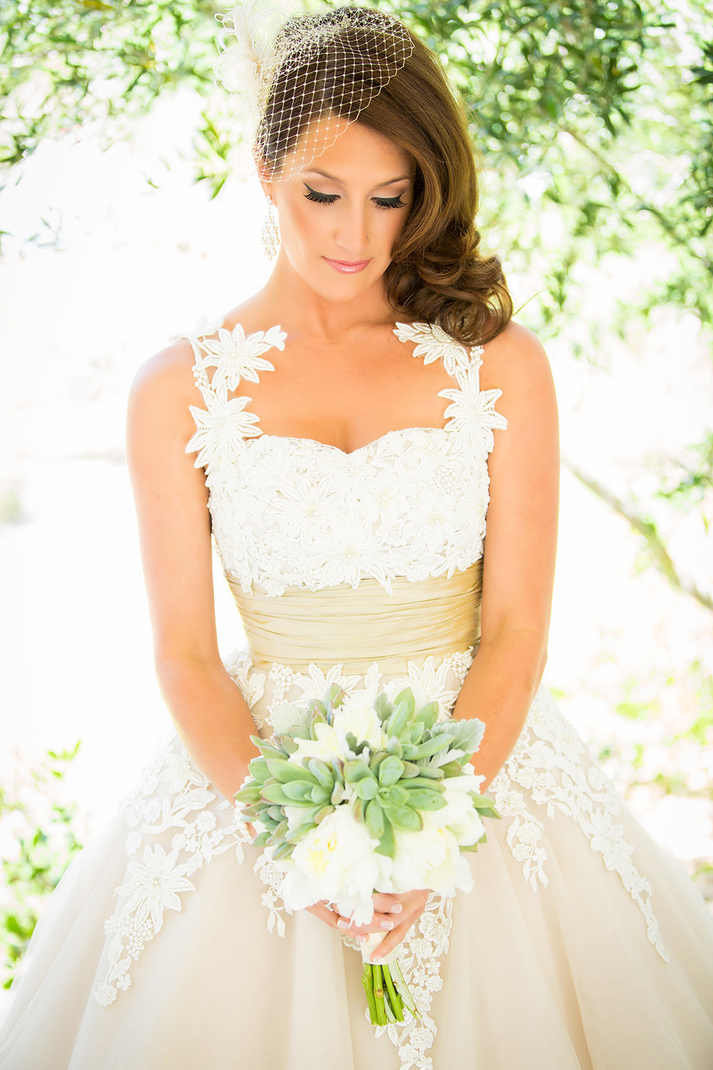 Los Willows wedding photos beautiful bride with flowers