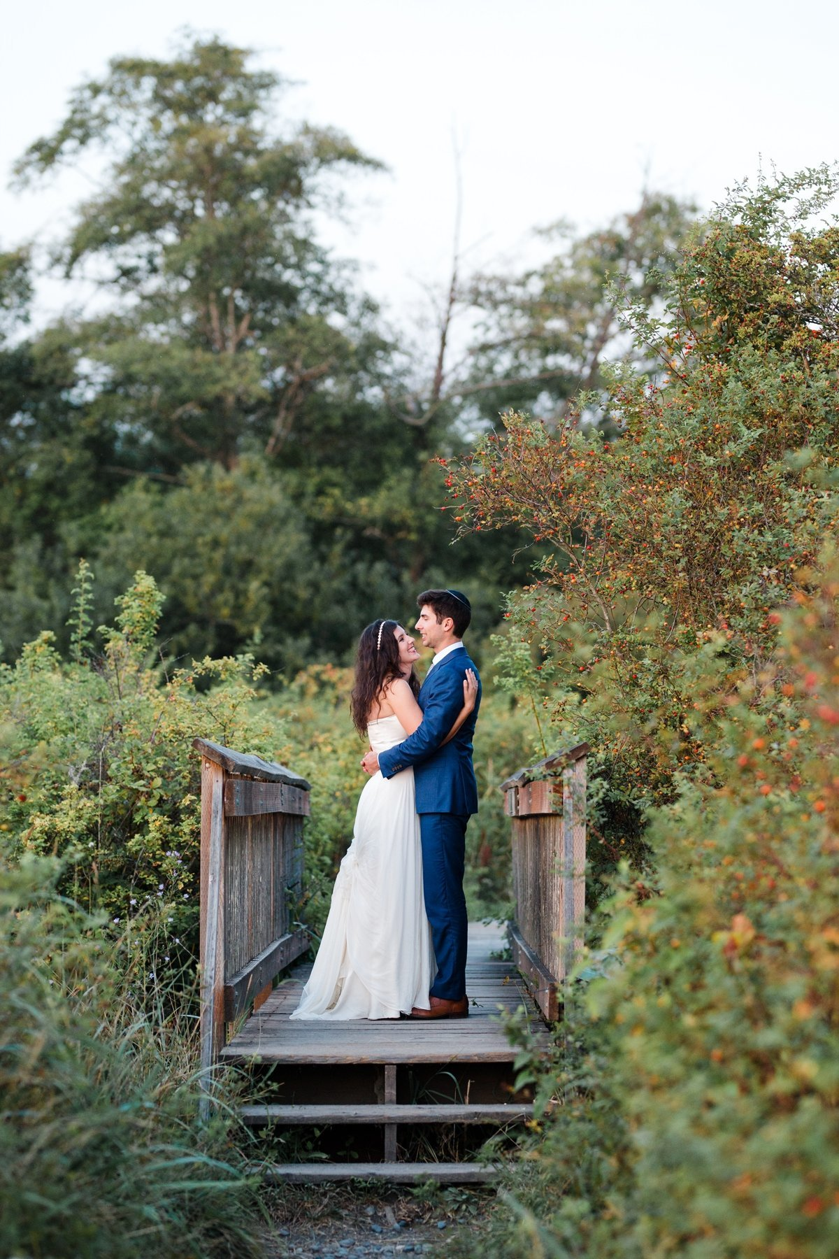 normandy-park-seattle-candid-wedding-photographer70