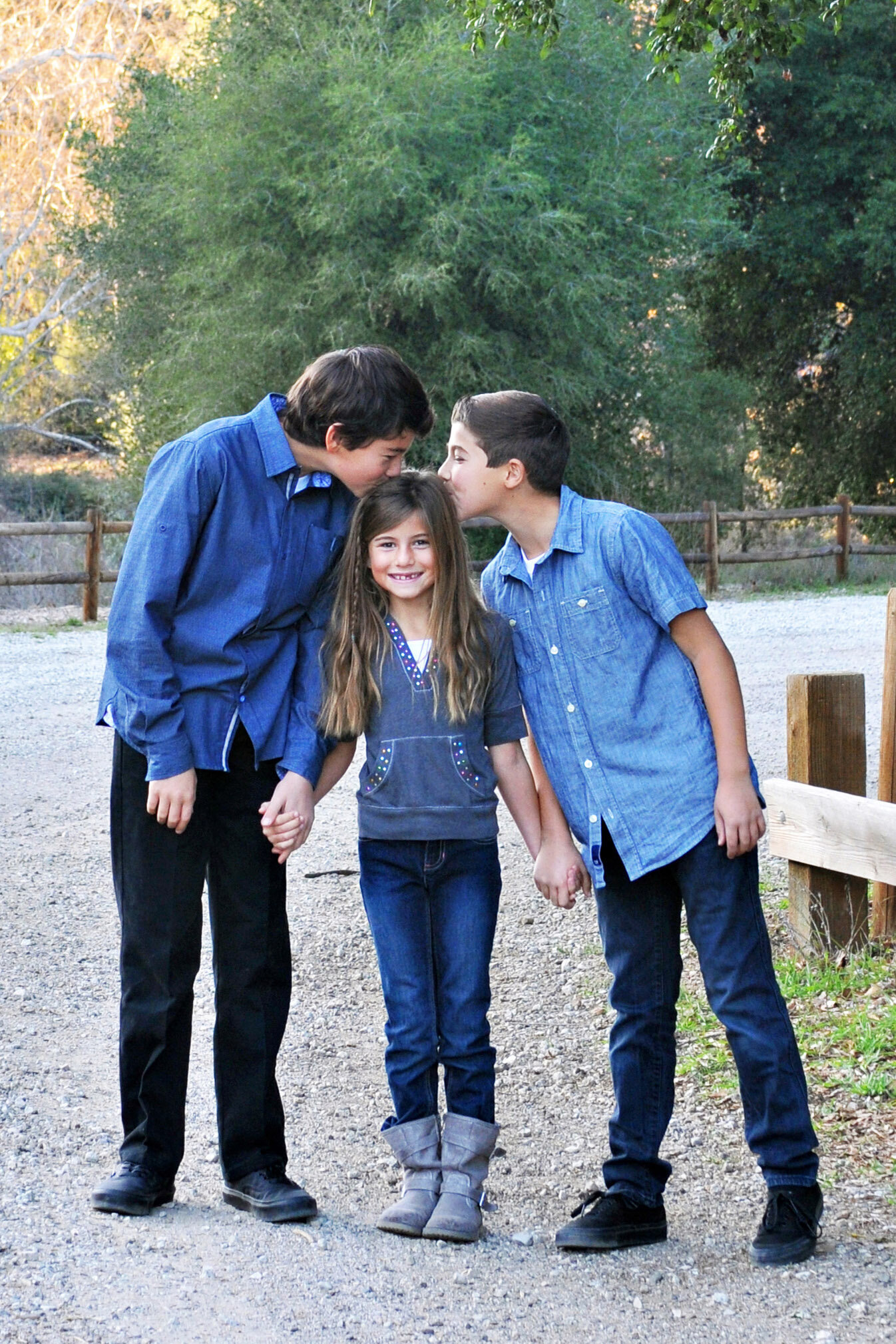 Maria-McCarthy-Photography-siblings-affection
