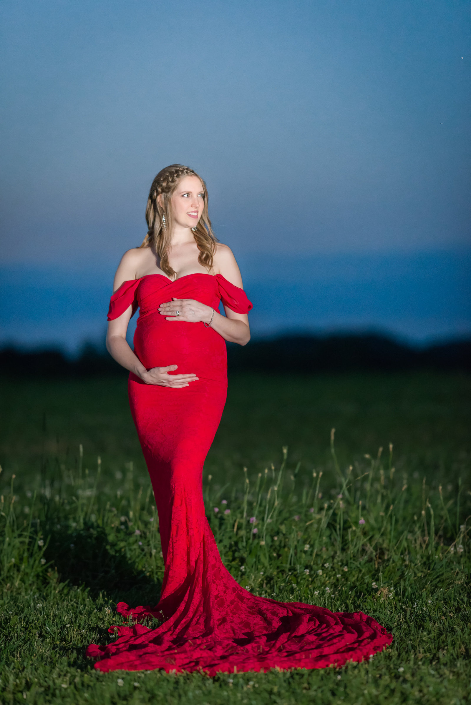 frederick - maryland - maternity - photographer - mary - sarah - photography - sew - trendy - maternity - gowns  (5 of 5)