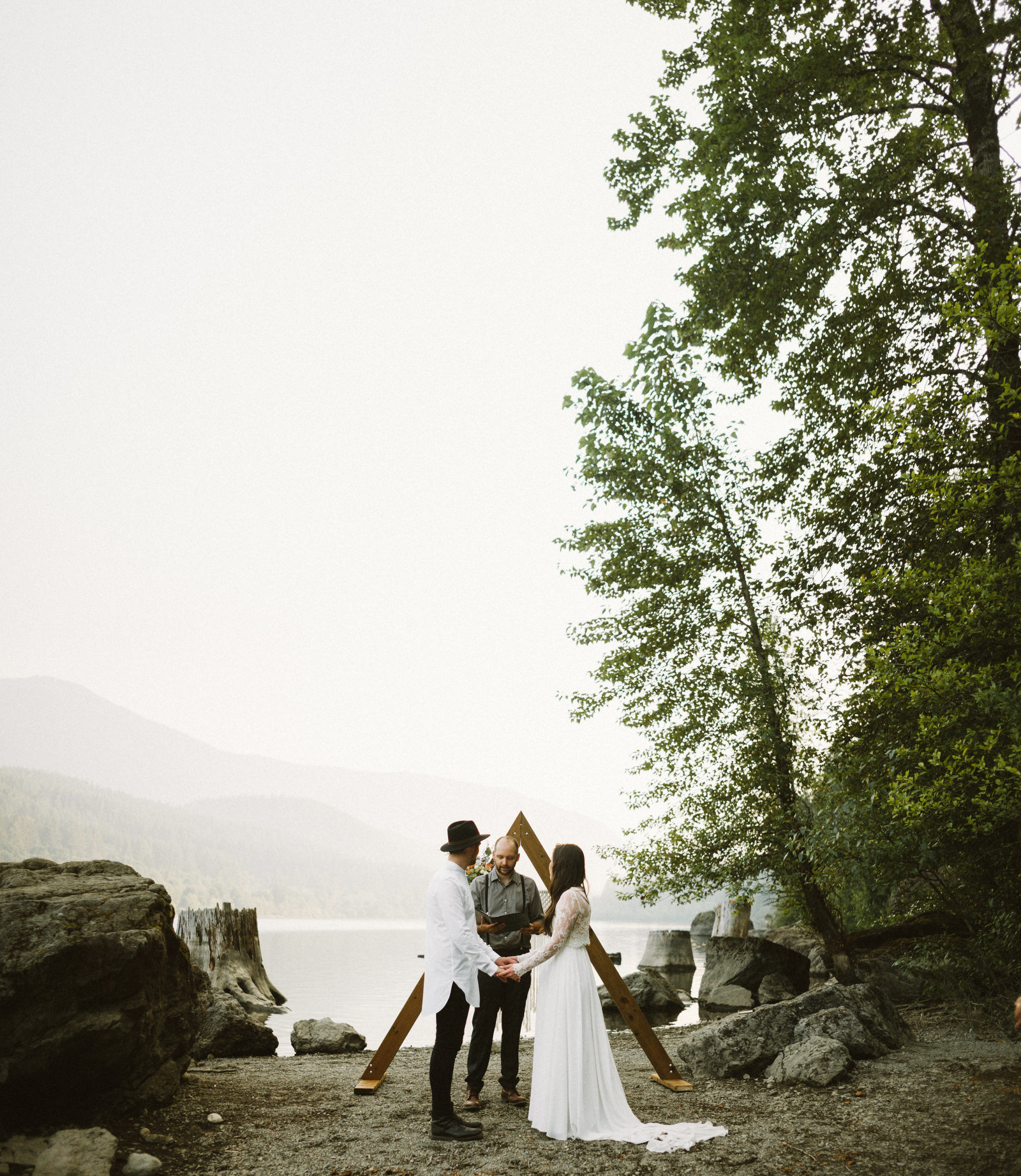 athena-and-camron-seattle-elopement-wedding-benj-haisch-rattlesnake-lake-christian-couple-goals41
