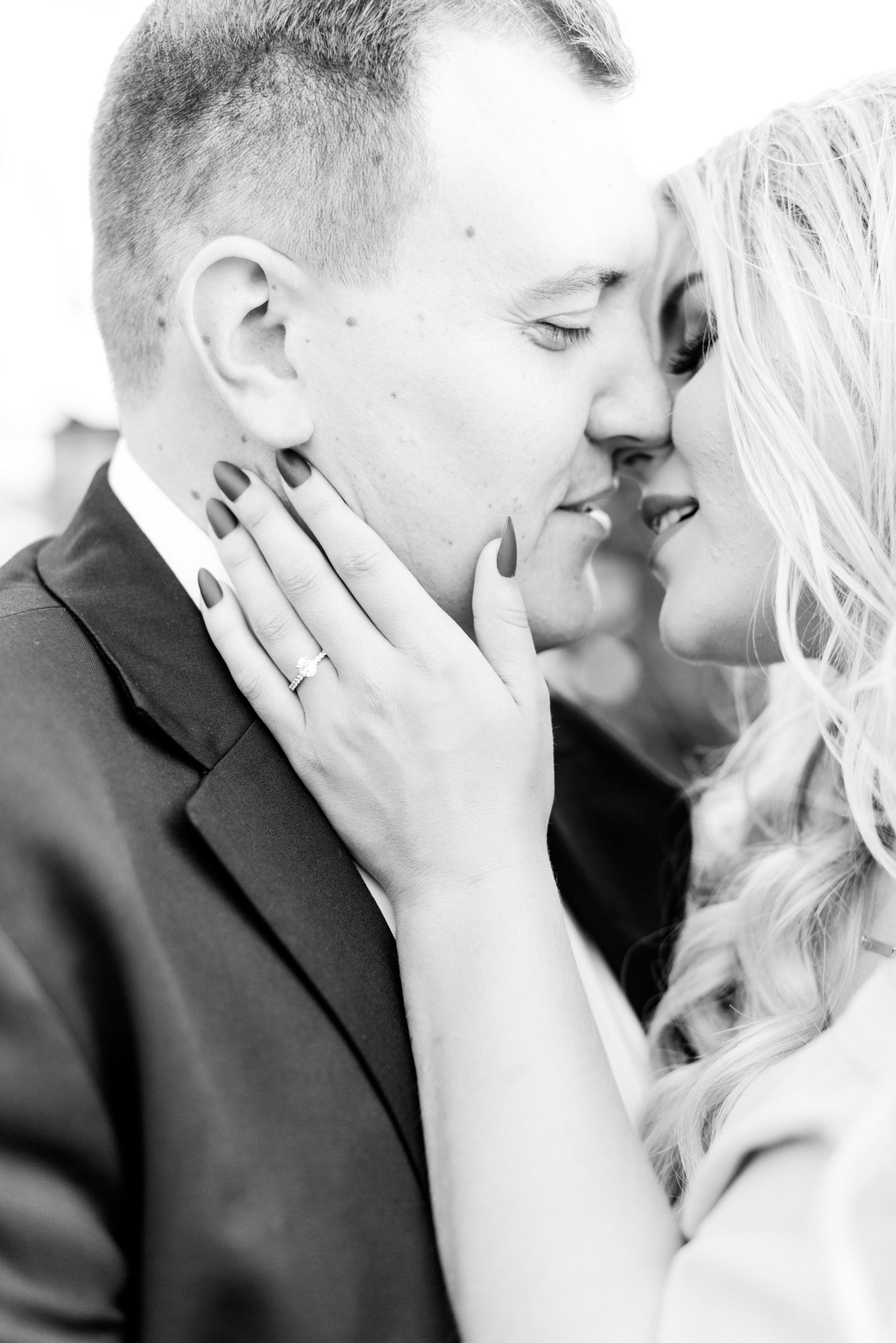 Downtown_Kansas_City_Engagement_Kaylee+Brandon-8