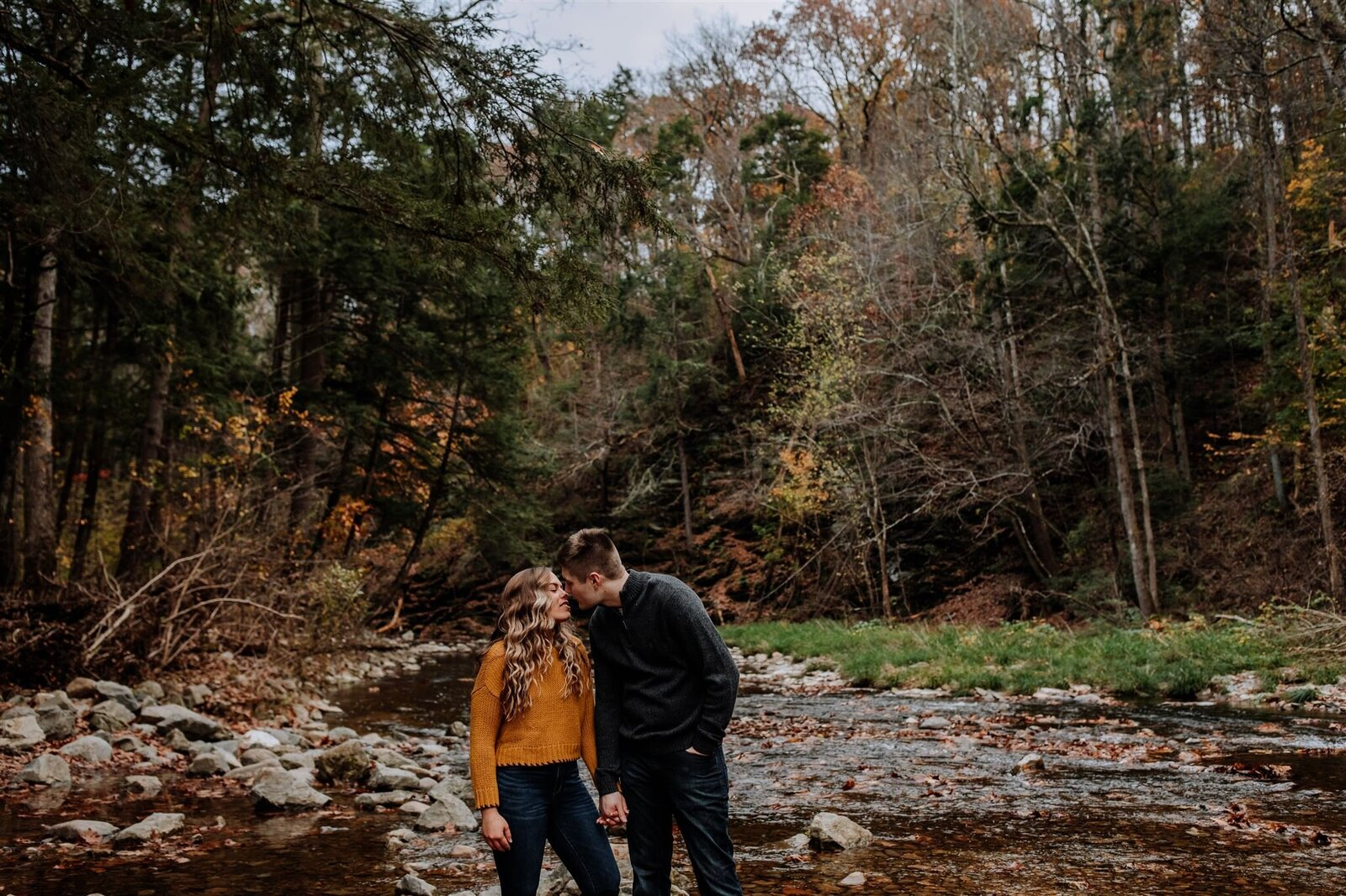 fall-jacobsburg-park-engagement-session-212_websize