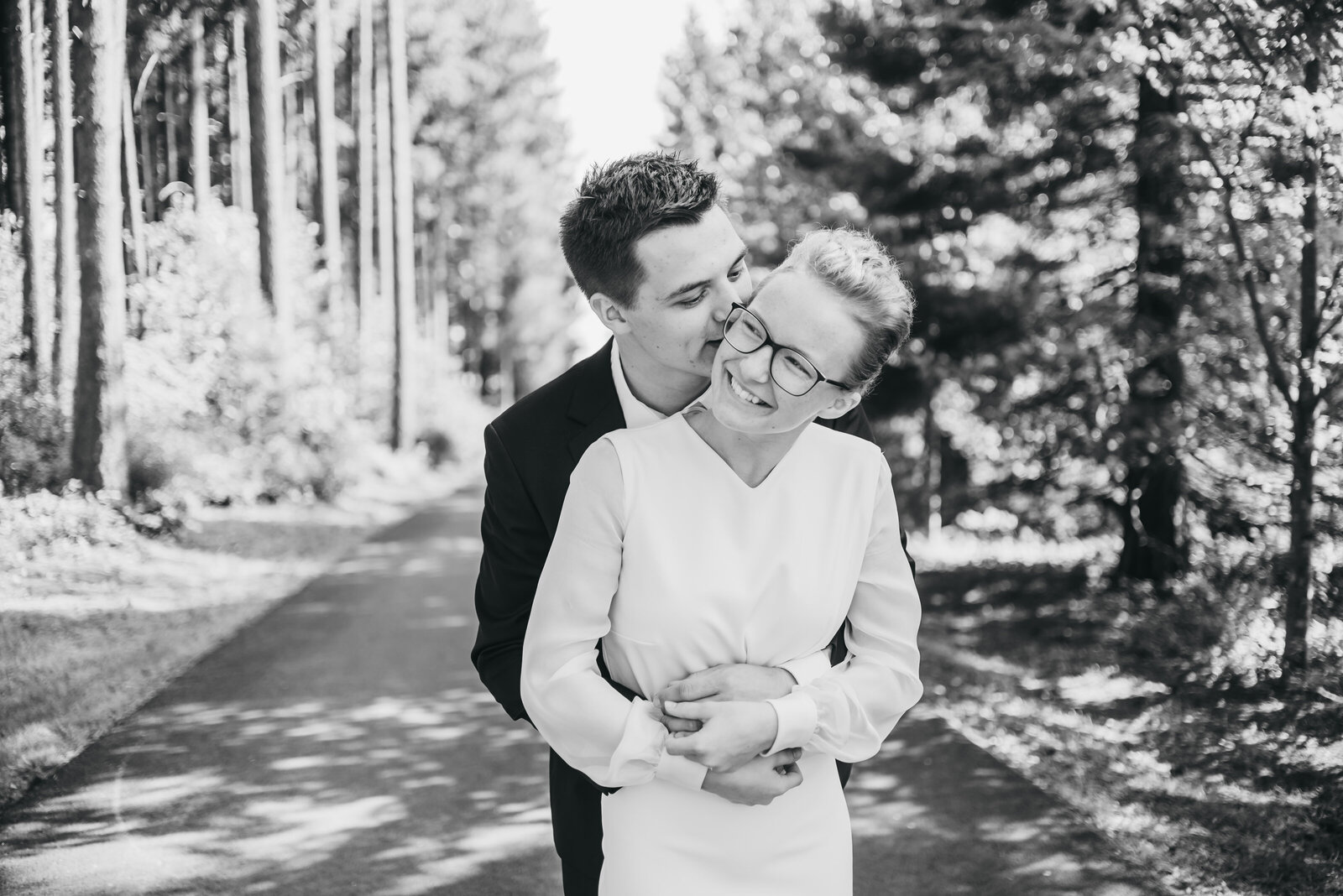 BONNIE-AND-JOEL-WEDDING-YACOLT-WOODLAND-WA-691
