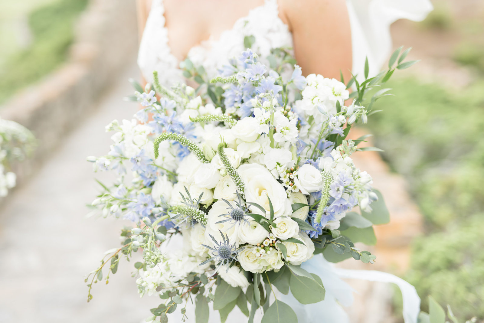 White and Blue Luxury Wedding 0025