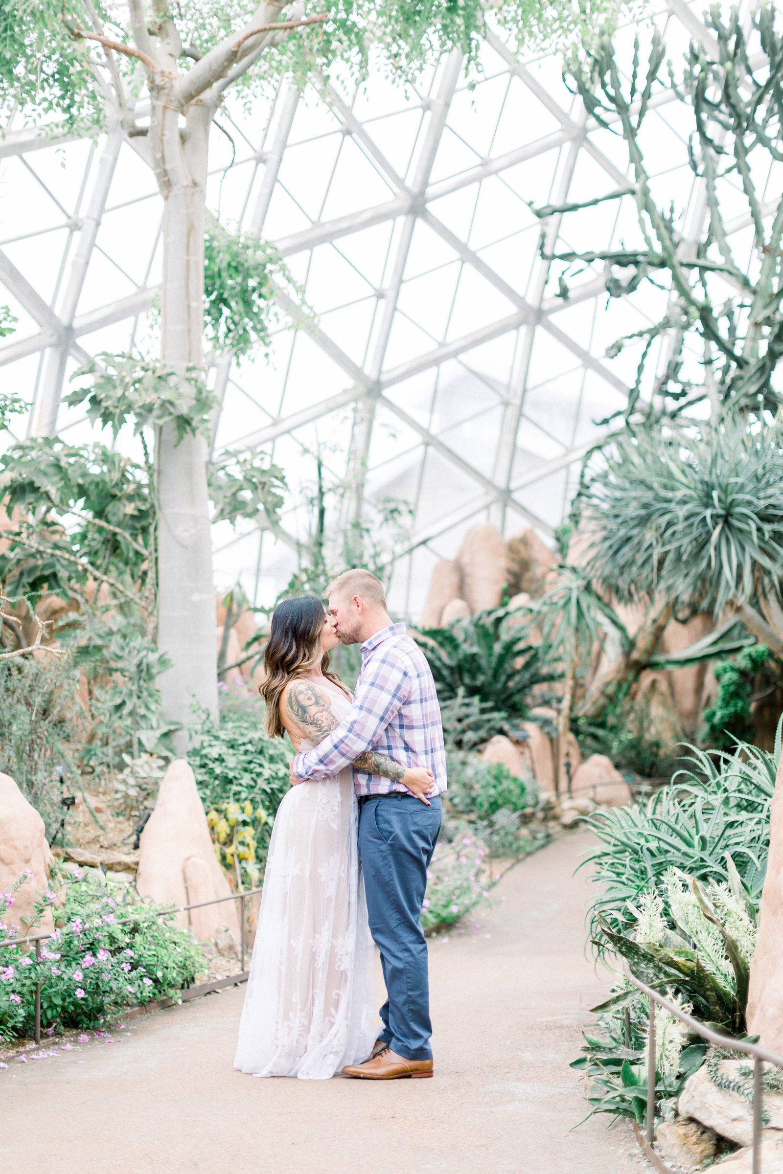 milwaukee_domes_engagement_session_ 0048