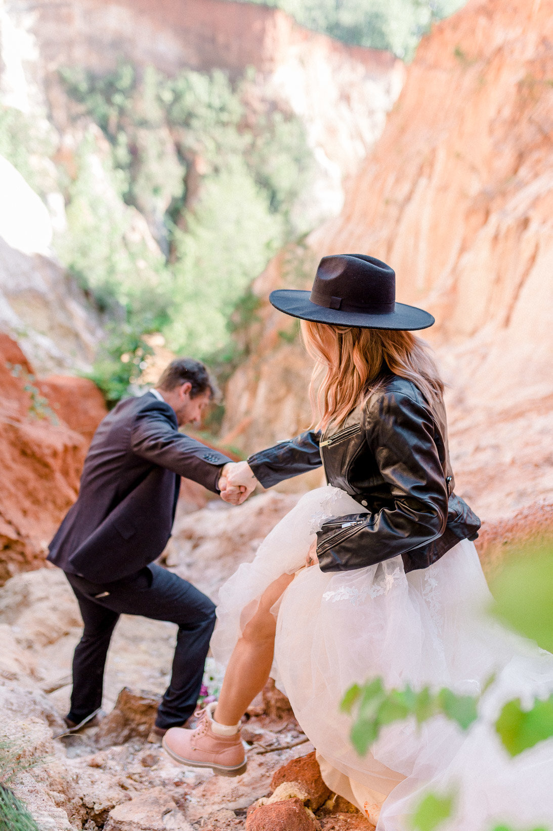 providence-canyon-wedding-elopement-adventure-hiking-georgia-arizona-20