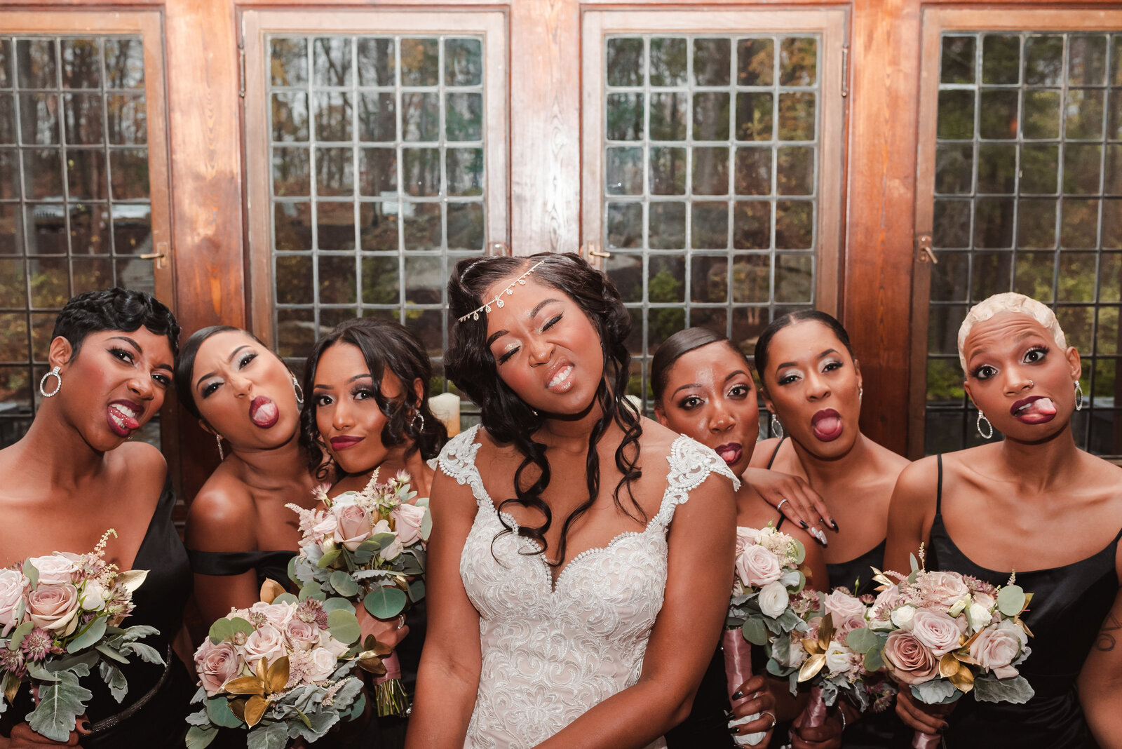 new-york-le-chateau-wedding-photos-suess-moments-poc-photographer-nyc